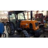 Tracteur fruitier Renault Fructus 130